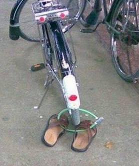 tips mengunci sandal